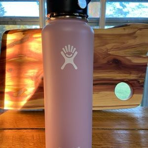 Hydro Flask 40 oz Lilac